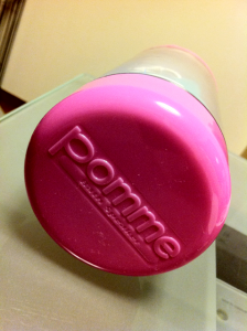 Pomme バスルームでiPod