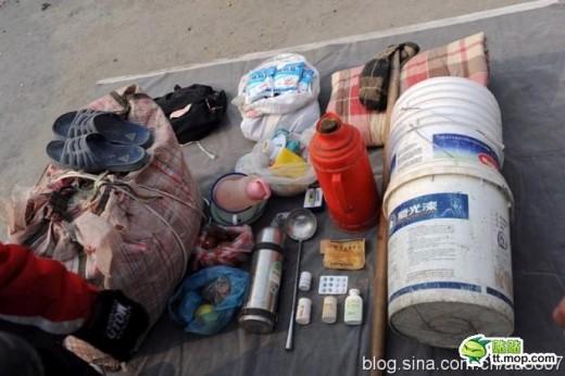 中国の出稼ぎ労働者の荷物