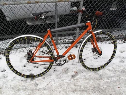雪道仕様の自転車タイヤ