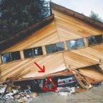 地震による建物崩壊時の生存空間、命の三角形 (4)