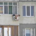 安全対策ゼロの危険過ぎる現場作業 (27)
