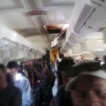 サウスウエスト航空のボーイング737 天井に穴 (5)