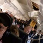 サウスウエスト航空のボーイング737 天井に穴 (4)