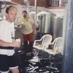 大洪水の時に守るべきはビール! (25)