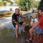 大洪水の時に守るべきはビール! (8)