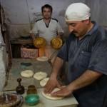 ウズベキスタンのパンができるまでの写真 (1)