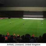 設計に問題のあったスタジアムの観客席 (16)