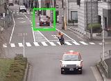 老人ドライバーの危険な一時停止ノンストップ通過
