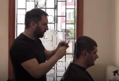 好きな有名人そっくりに髪を切ってくれる理髪店