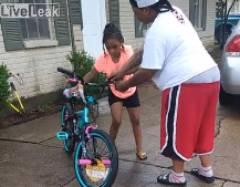 自転車に乗れない女の子「俺が見本を見せてやる」