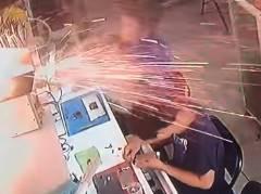 後を絶たない携帯電話のバッテリー爆発事故