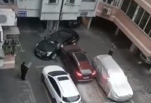 駐車場前に迷惑駐車されてもノープロブレム