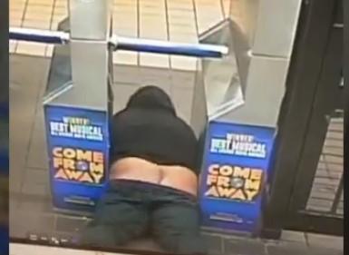 恥ずかしいけどタダで地下鉄に乗る裏技